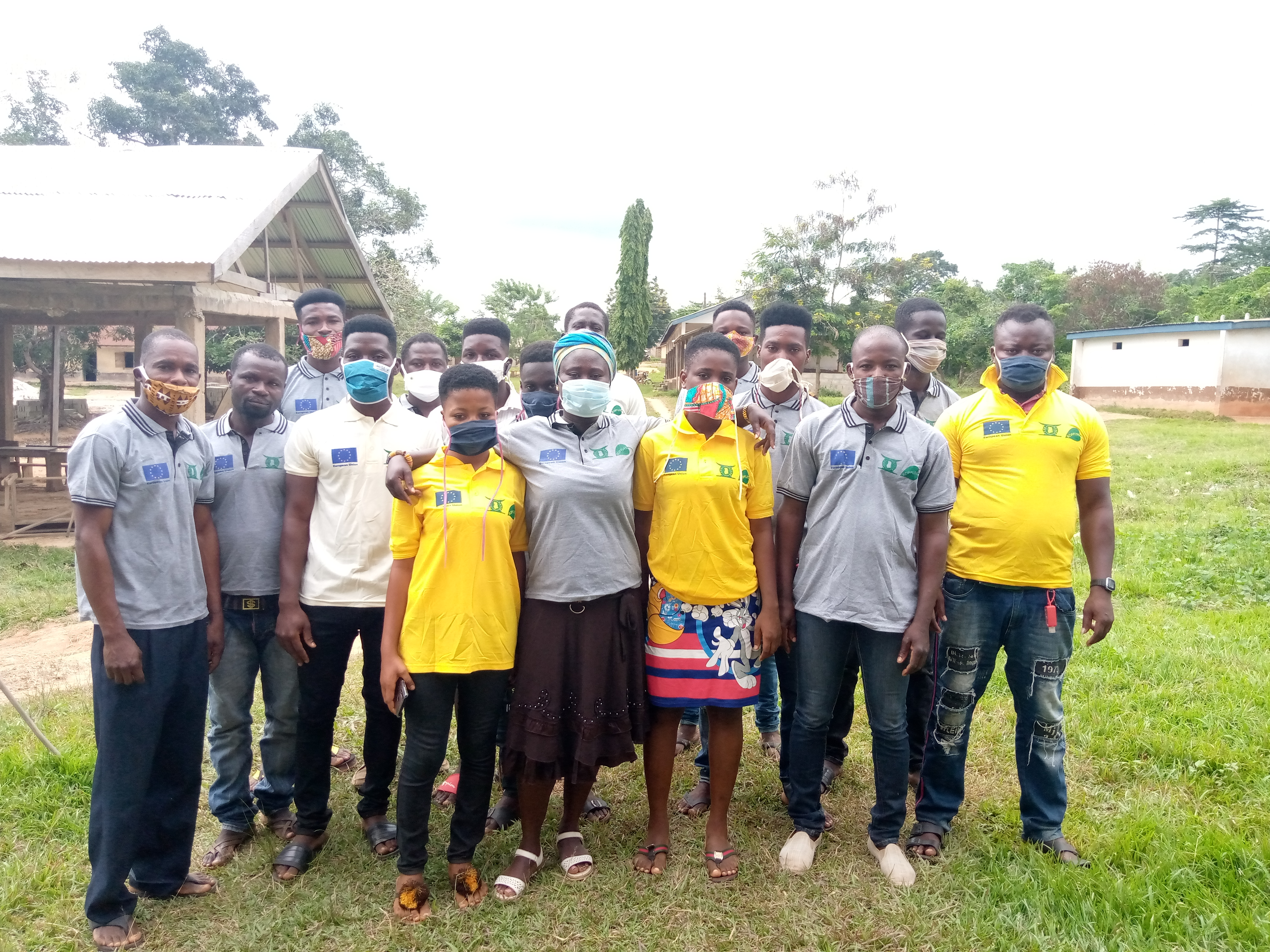 community_group_standing